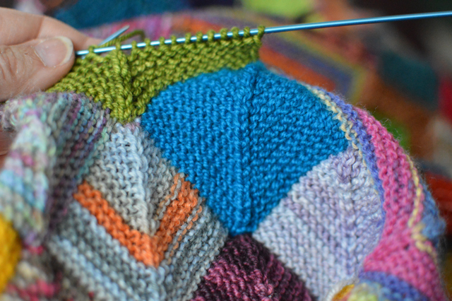 Slip Stitch Knit Squares Together : Its b-a-a-a--a---c----k! or?.. how I miter - woolythyme